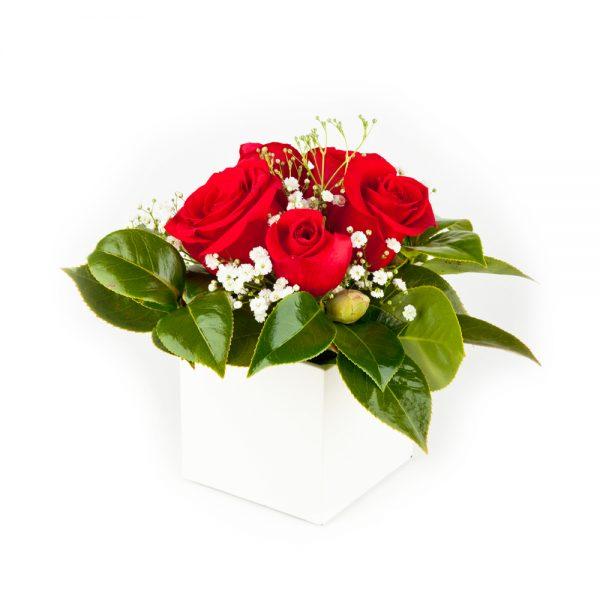 Cubo com rosas
