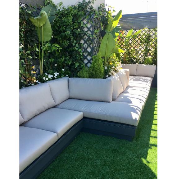 Estrutura de sofá com arrumação interior